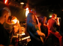 Dark Harvest - Gaukurinn 12.06 2003 - Gudny